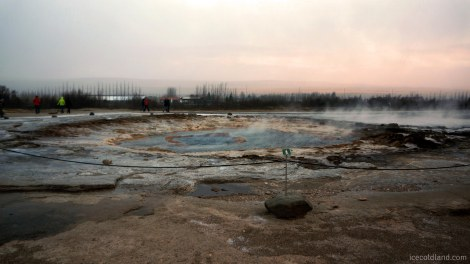 - strokkur geyser calm before the spout -