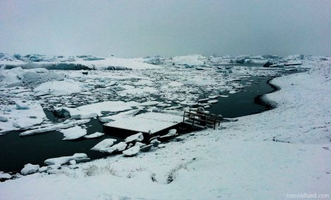 - jökulsárlón glacier lagoon has a small dock for visitors to take pictures -